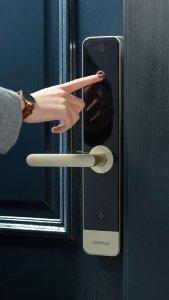 قفل هوشمند دوربین دار لایف اسمارت Lifesmart Video Door lock